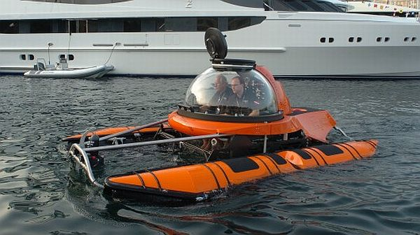 Used Mini Submarines For Sale http://www.silvercrestsubmarines.co.uk/newsletter_april_2004.html